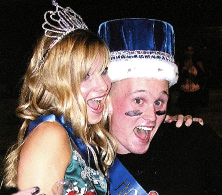 Heather Morris durante su graduación siendo coronada como reina del baile