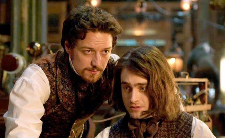 Daniel Radcliffe en la película Victor Frankenstein llevado ropa de la época victoriana