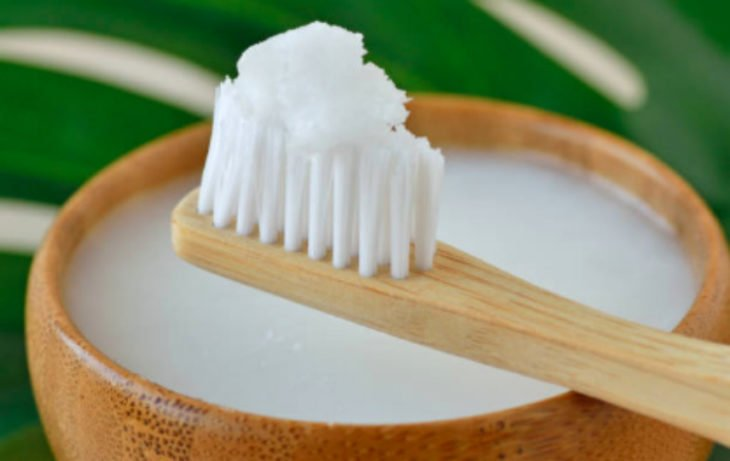 Toothbrush with baking soda