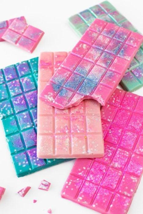 Barras de chocolate de colores