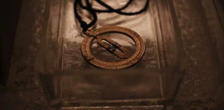 El collar de Claudia Tiedemann de la serie Dark