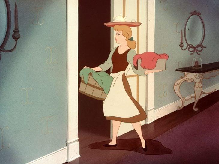 Escena de la película de La cenicienta de 1950