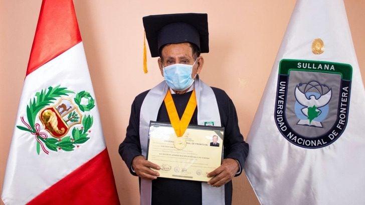 Don Luis Teddy Girón, abuelito de 73 años, celebrando su graduación de la universidad