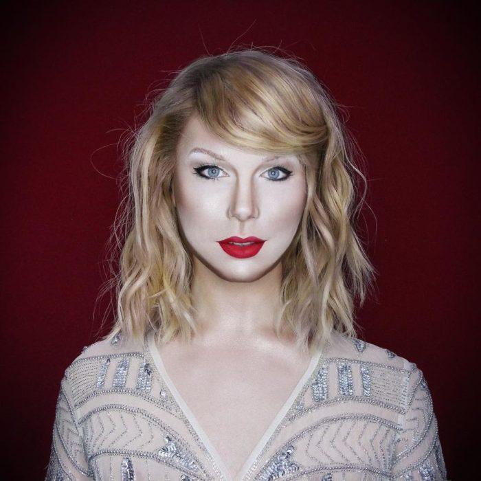 Alex Stone, maquillista, maquillado como Taylor Swift