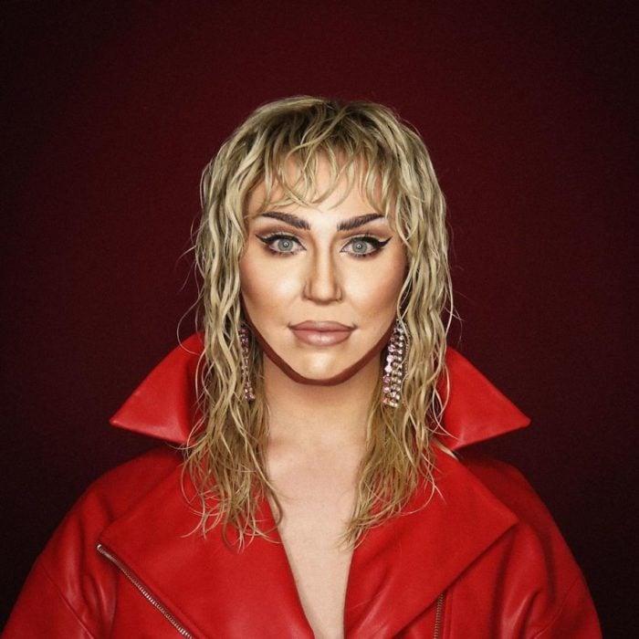 Alex Stone, maquillista, maquillado como MIley Cyrus