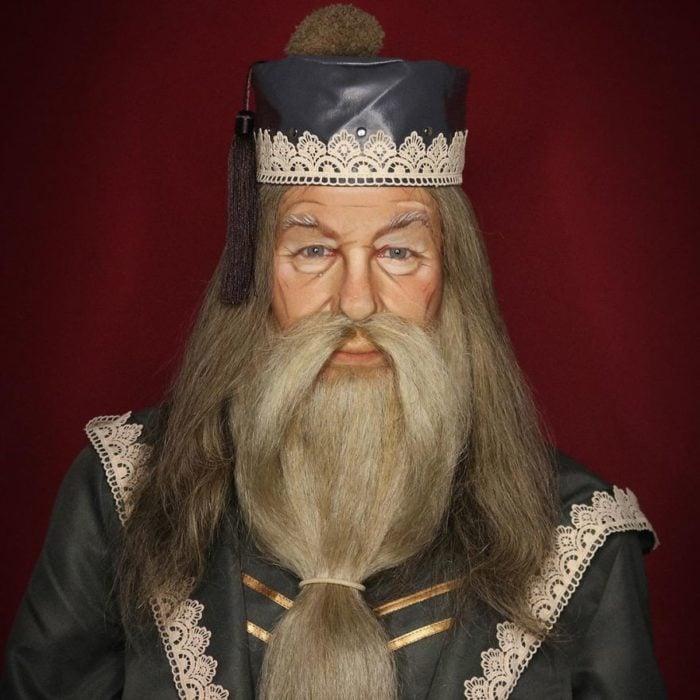 Alex Stone, maquillista, maquillado como Albus Dumbledore