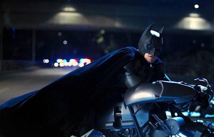 Batman en su moto