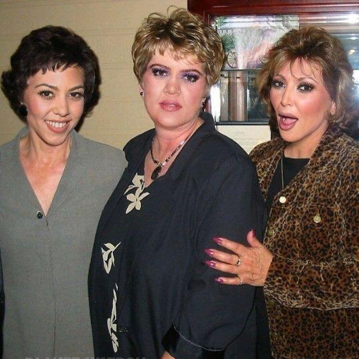 Kim, Kourtney y Khloe kardashian caracterizadas como señoras de edad