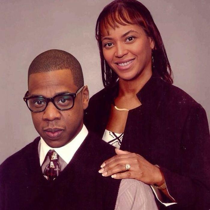 Beyoncé y Jay-z posando para una fotografía como una familia norteamericana típica