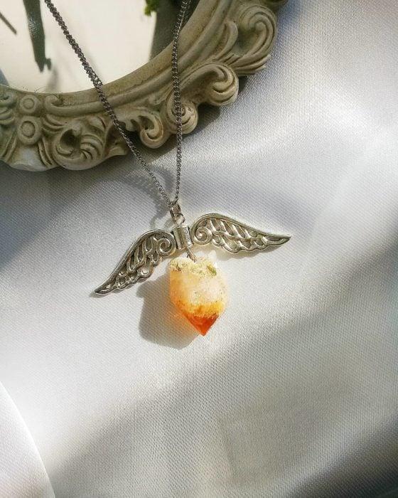 Collar con piedra citrino
