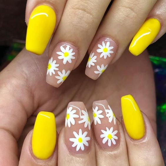 5 nail colors that take away the bad mood and fill you with spirits 5