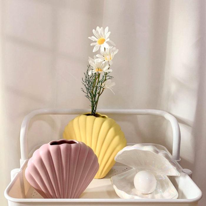 Artículos de decoración para el hogar; florero de concha de mar color rosa y amarillo pastel