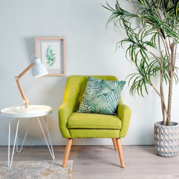 Artículos de decoración para el hogar; sillón color verde con cojín