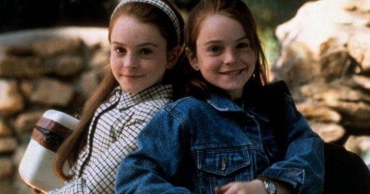 Lindasy Lohan de niña en una escena de la película Juego de gemelas