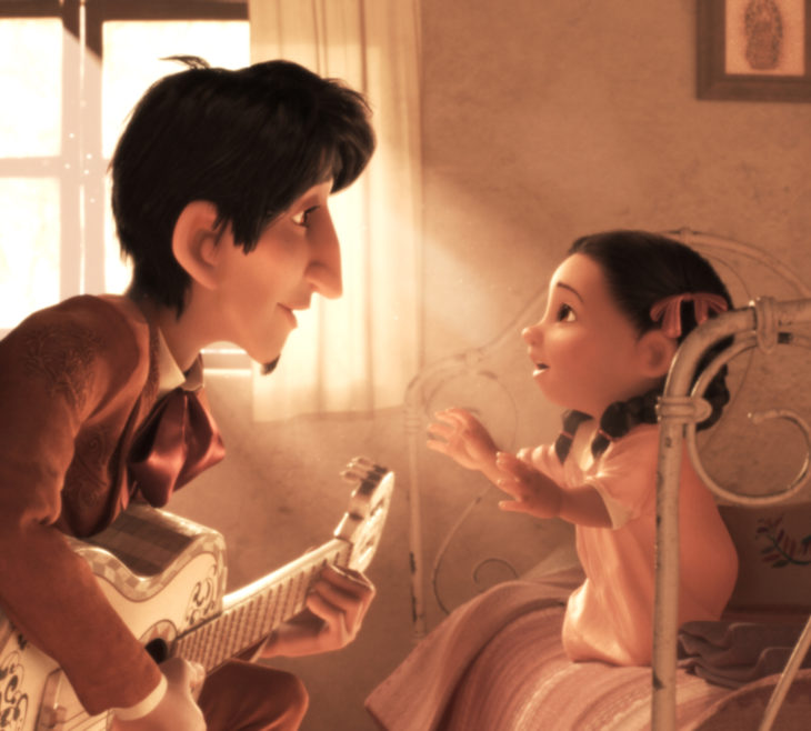Escenas tristes de películas Disney; Coco, Héctor y mamá Imelda de niña, tocando la guitarra, Recuérdame