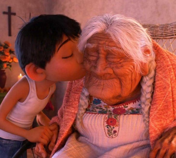 Escenas tristes de películas Disney; Coco, Miguel y mamá Imelda, Recuérdame