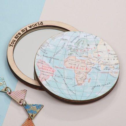 Espejo de bolsillo en forma de mapamundi