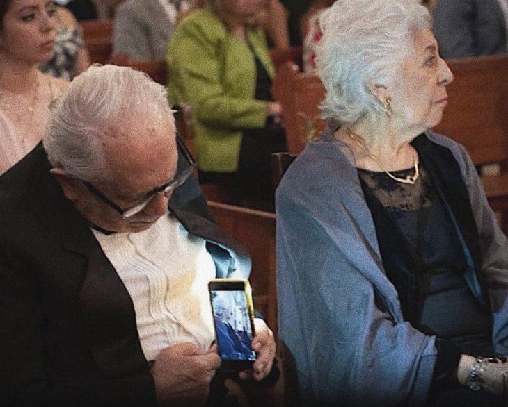 Fotos de ancianitos demostrando amor eterno