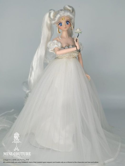 Muñeca de porcelana creada por el artista Mini Couture inspirada en el anime Sailor Moon, Reina Serenity