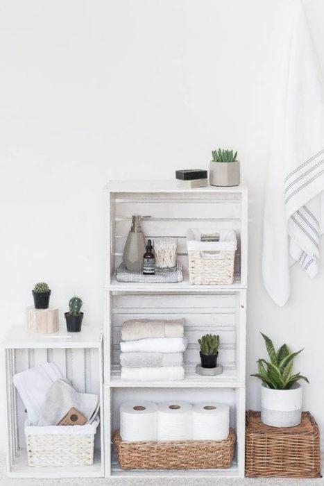 Organizador de baño con cajas de madera