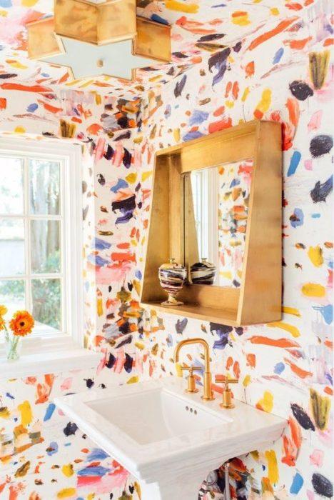 Decoración de pared estilo acuarela colorida