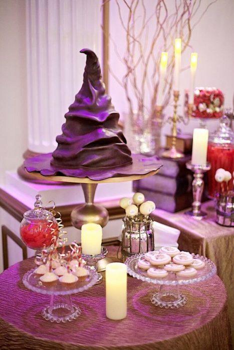 Mesa de dulces con temática de Harry Potter