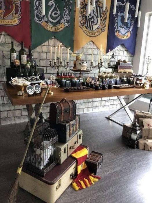 Mesa de dulces para boda estilo Harry Potter