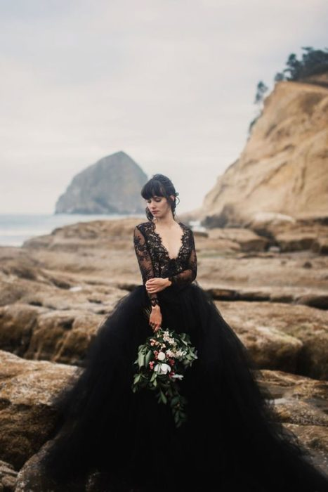 Vestido de novia en negro