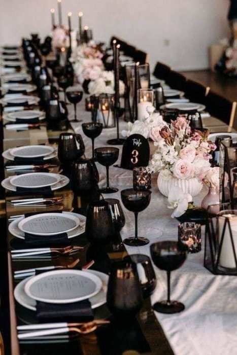 Decoración de banquete de bodas en color negro