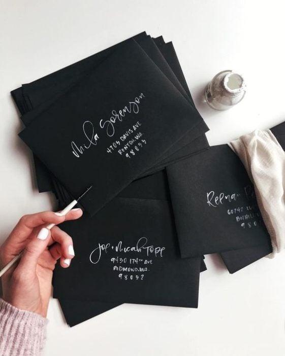 Invitaciones para boda en negro