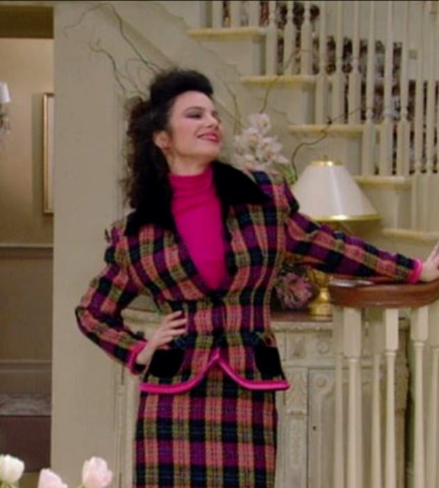 Outfits by Fran Drescher from 'La Niñera'; office clothes, jacket and plaid skirt
