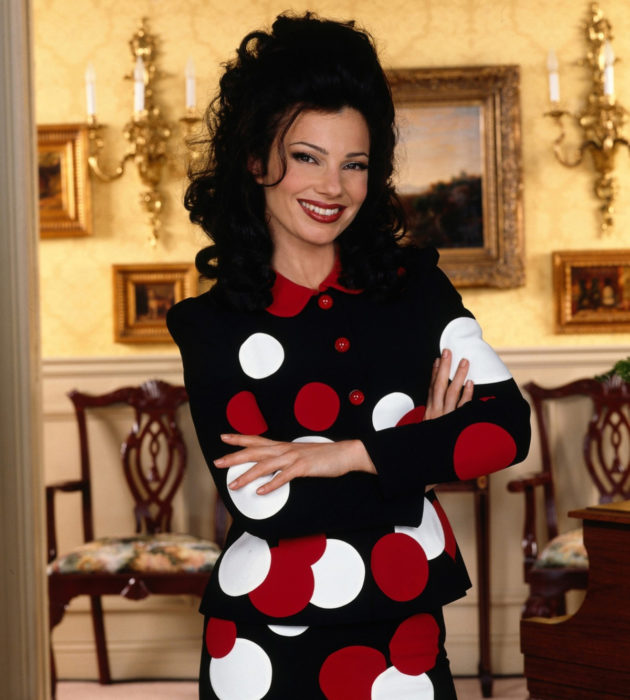 Outfits by Fran Drescher from 'La Niñera'; bag with red and white polka dots
