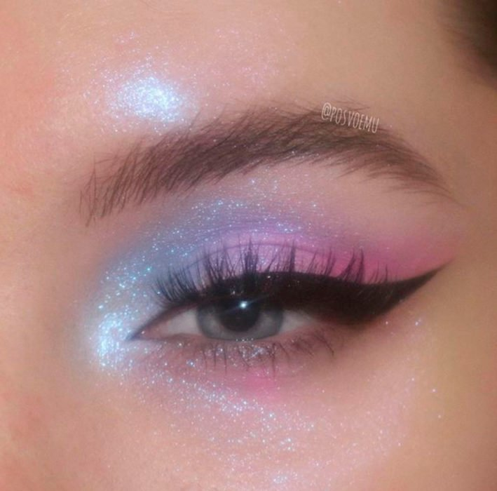 Eye makeup in shades of blue and pastel pink