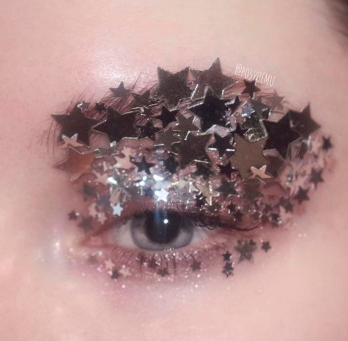 Silver eye and star makeup
