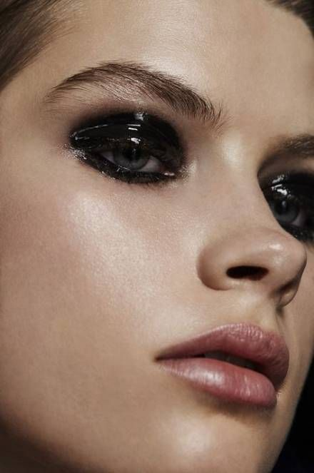 Smokey eye efectgo glossy