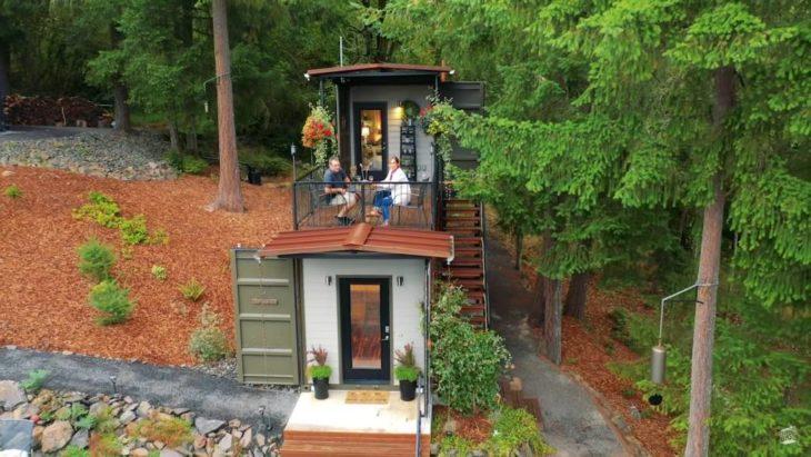 Casa construida con contenedore