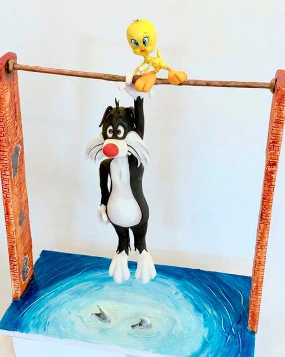 Pastel artístico inspirado en Piolín y Sivlestre