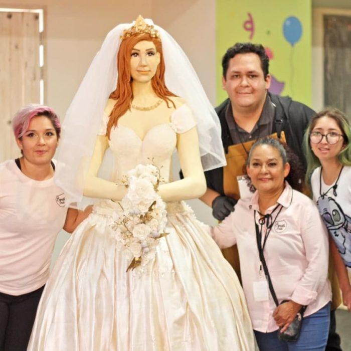 Pastel de novia estatura real