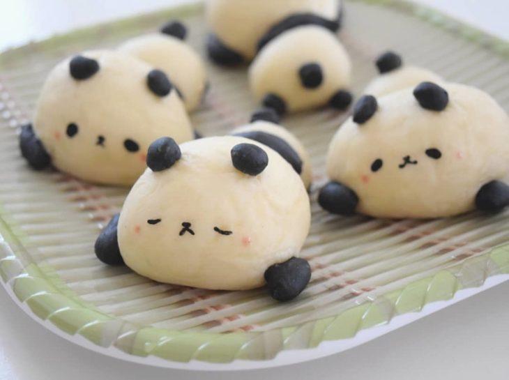 Pan en forma de panda dormido