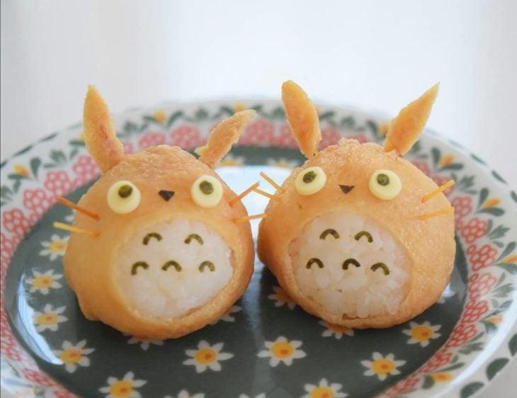 Bolas de arroz en forma de Totoro
