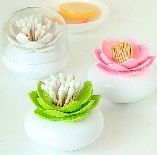 Contenedores en forma de flor para cotonetes y palillos