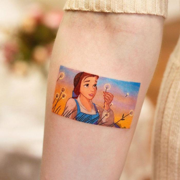 Tatuajes miniatura de películas; La bella y la bestia