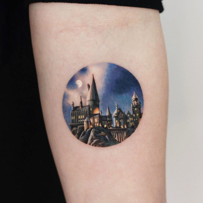 Miniature movie tattoos; Harry Potter, Hogwarts