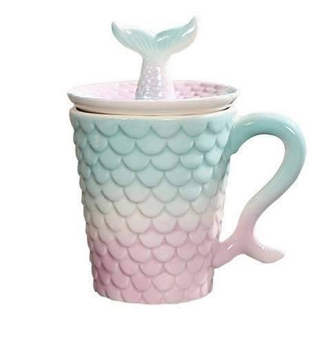 Taza para café color verde, blanco y rosa con forma de escamas de sirena