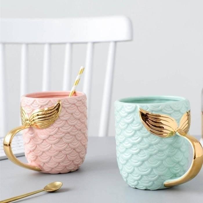 Taza de café con asa de cola de sirena