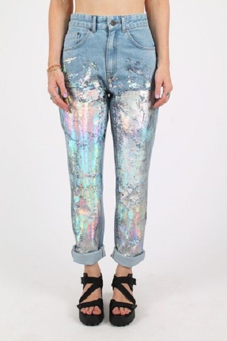 Mom jeans with litmus paint detail