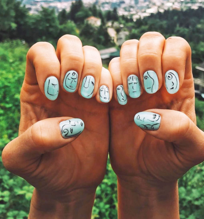 Round Picasso style nails, mint manicure