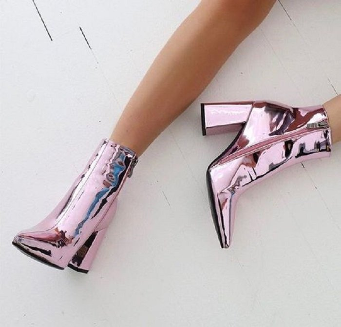 Wide-heeled ankle boots with mirror effect throughout the design