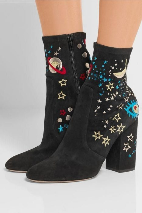 Wide-heeled ankle boots with a universe design
