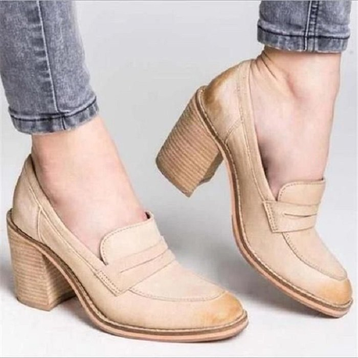 Wide-heeled shoes moccasin beige